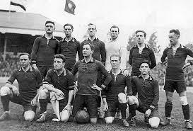 Serie 111 Legendarische Voetbalhelden sinds 1920: Louis Van Hege